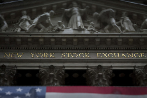 breakingnews:  New York Stock Exchange to close trading floor, trade electronically for storm Bloomberg News:  The New York Stock Exchange said it will shut its trading floor starting tomorrow and invoke contingency plans to move all trading to NYSE Arca, its electronic exchange, as Hurricane Sandy heads toward the city.  Photo credit: Scott Eells / Bloomberg   Translation: Our financial system will continue moving without a physical presence.