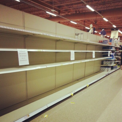 alluringlies:  No water in wegs #sandy lol