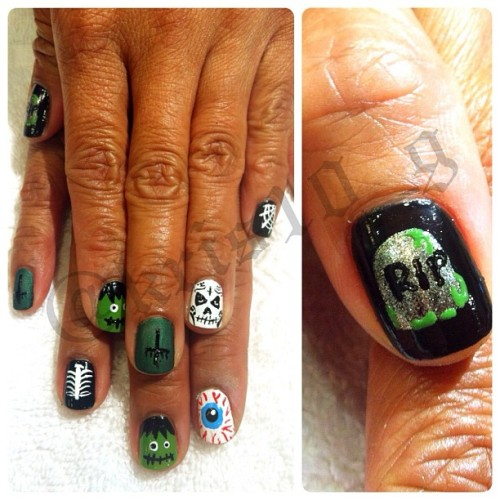 J Boo put me to work today 💀👻🎃 #halloween #nailart