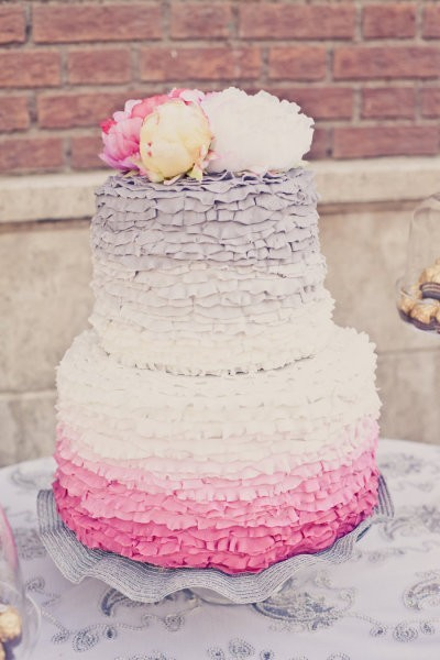 Ombre + ruffles: wedding cake