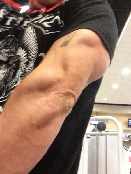 carry-on-my-hunters:  good god I think Zak is trying to kill us   it's just his crusty ass elbow tho…..