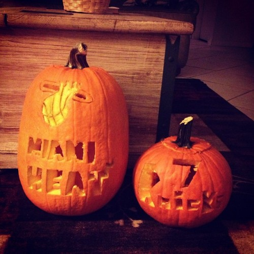 Mine and Ricky's pumpkins❤ #knicks #heat #miamiheat #newyork #pumpkin #melo #nba