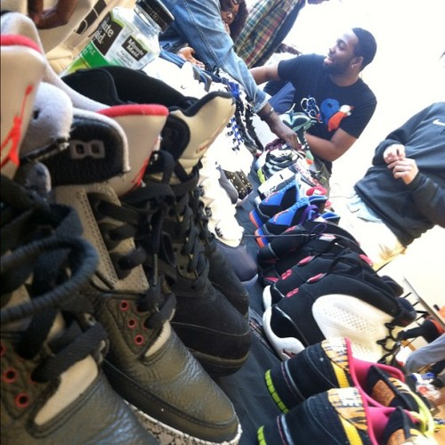 baseddisciplegeorge:  Another view of @sneaktechnique table at #SneakerSwap2 featuring @mutumbo32