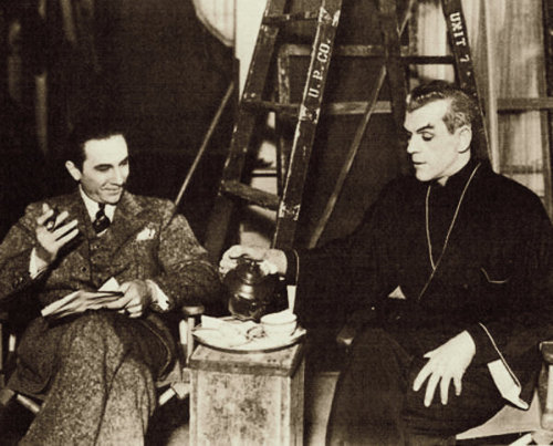 "the-asphalt-jungle:  Bela Lugosi and Boris Karloff during a break on the set of ""The Black Cat"" (1934)"