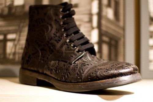 I want these boots Duckie Brown