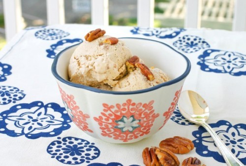 veganrecipecollection:  (via Vegan Butter Pecan Ice Cream | Laura Friendly)