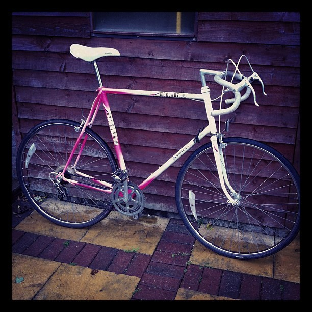 New pink & white bike. Keep it geared or convert to single speed?