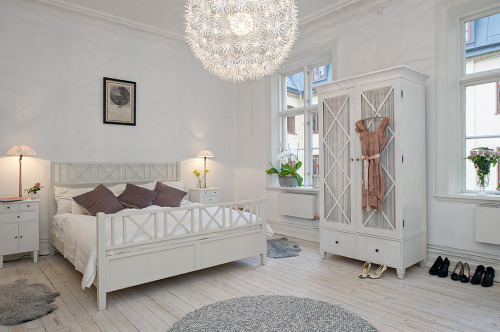 homeandinteriors:  So in love with this apartment for sale in Sweden
