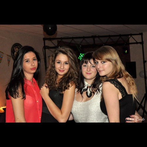 Elles sont tout pour moi 💗#girls#true#friends#party#miss#you#love  (at Soufflenheim)