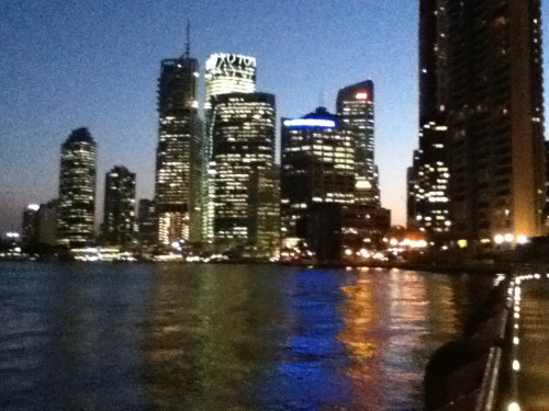 Quiet walk down to the river front in Brisbane, quite a view