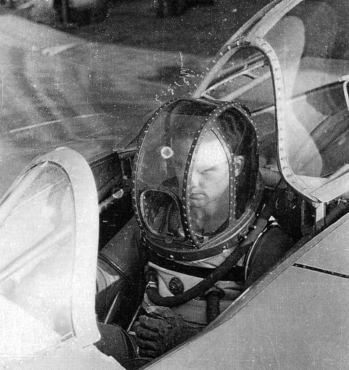 """Erwin Ziller in Dräger pressure suit for Ho-IX/Go-229"" (via)"