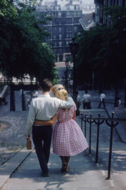 theyroaredvintage:  Photo by Ernst Haas, Paris, 1960.