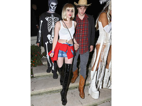 Frankenstorm, schmankenstorm — did you guys see that Emma Roberts dressed up as Aunt Julia for Halloween?