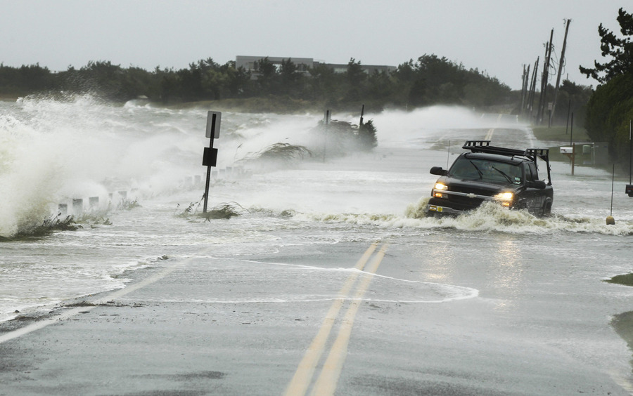 "Hurricane Sandy: Millions in U.S. prepare for 'worst case scenario'Hurricane Sandy, the monster storm bearing down on the U.S. East Coast, strengthened on Monday after hundreds of thousands moved to higher ground, public transport shut down and the U.S. stock market suffered its first weather-related closure in 27 years.About 50 million people from the Mid-Atlantic to Canada were in the path of the nearly 1,000-mile-wide (1,600-km-wide) storm, which forecasters said could be the largest to hit the mainland in U.S. history. It was expected to topple trees, damage buildings, cause power outages and trigger heavy flooding.The U.S. National Hurricane Center (NHC) said on Monday the Category 1 storm had strengthened as it turned toward the coast and was moving at 20 miles per hour (32 km per hour). It was expected to bring a ""life-threatening storm surge,"" coastal hurricane winds and heavy snow in the Appalachian Mountains, the NHC said. (Lucas Jackson/Reuters)"