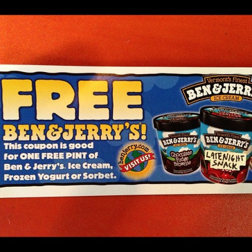 Everyone in tonight's studio audience gets a free Ben & Jerry's Ice Cream. #LateNight #wehave10peopleinouraudience