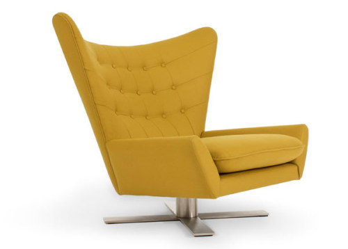 The Louis Chair by Vioski is a chair that shouts out 'movie villains'. I can just imagine myself facing the window looking at the picturesque landscape of London and then swivelling around revealing myself with a cat in my hands. I think I got a little too carried away but you guys get the jist.