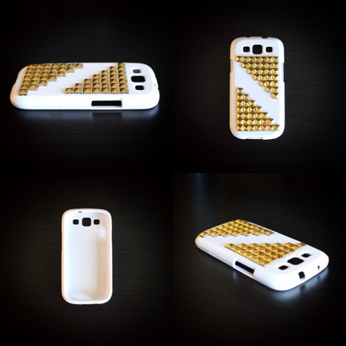 The studded #S3 cases are now available at www.lsdfashionlab.com. Welcome to the #LSDFASHIONLAB family. #samsunggalaxy3 #sg3 #lsds3case #pcotd  (at www.lsdfashionlab.com)