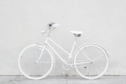 softconcrete:  White bike!