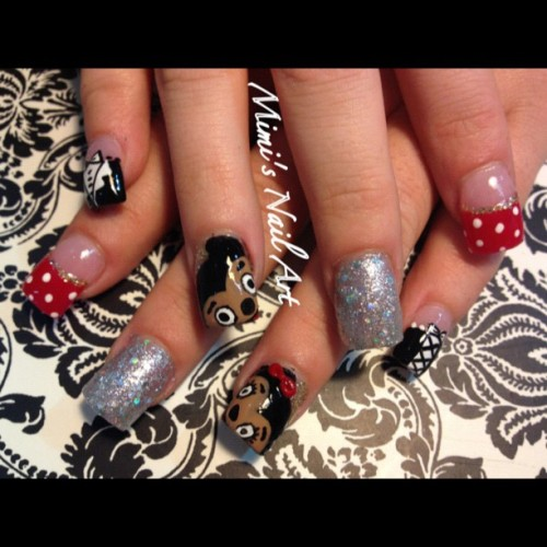 #nails #nailart #nailswag #nailartclub #nailartswag #nailartheaven #nailartoohlala #mickymouse #minimouse #disney #waltdisney #glitter #silver #polkadots #red #corset #tuxedo  (at Mimi's Nail Art)