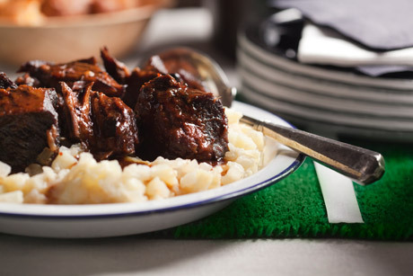 "epicurious:  Braised Short Ribs with Potatoes and Apples ""Risotto Style"" (Epicurious, January 2011) Looks good, right about now…"