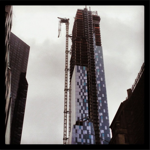 Another shot of that crane collapse at West 57th Street/7th Ave in Manhattan. NYPD and emergency services are currently on route. Photo via: alec_coughlin