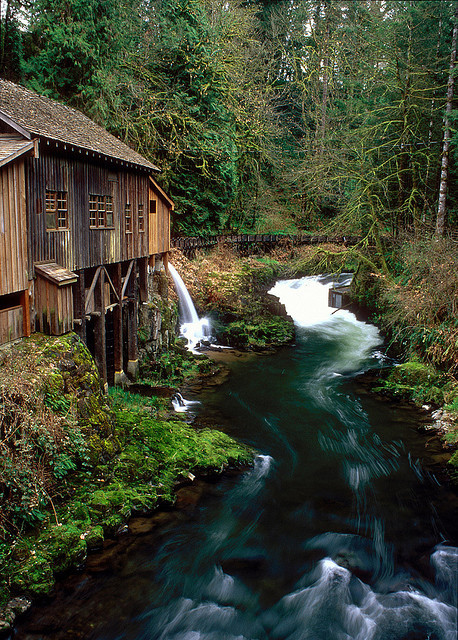 p-e-r-m-a-f-r-o-s-t:  Cedar Creek Grist Mill #2 by Zeb Andrews on Flickr.