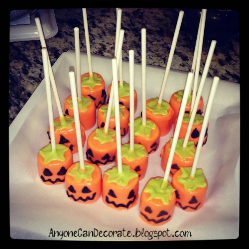 Jack-o-Lantern Pumpkin Treats… Cute, Fun and Easy to make DIY Candy Pops…