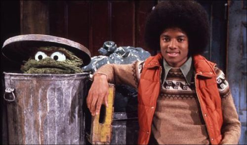 Michael Jackson kicks it with Oscar the Grouch.