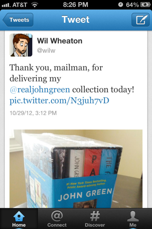 I find it so adorable when Wil Wheaton does nerdfightery things like get excited about John's books.