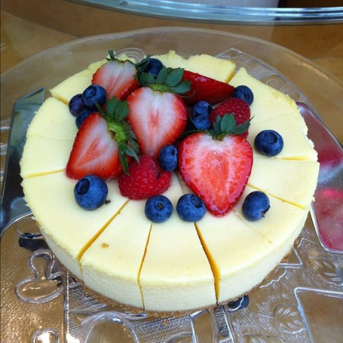 A slice of cheesecake for you?                                 #food #forjohn #foodporn #beautifulthingsinlife #foodography #goodfood #goodmorning #dessert #sweet #sweets #igsg #instasg #instafood #instagood #iphonesia #icandothis #inspiration #instagramsg #iphoneography #sgig #delicious #tasty #yummy