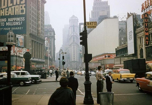 eclecticbanana:  fuckyeahvintage-retro:  New York City, 1957  great year '57 :)