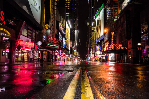 buzzfeed:  Times Square is eerily deserted.