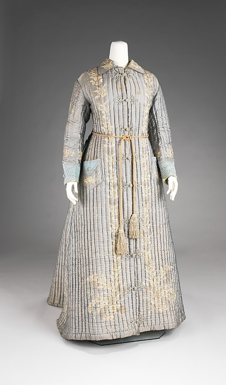 omgthatdress:  Dressing Gown 1875 The Metropolitan Museum of Art With the beginning of the late Victorian era, there was a renewed interest in all things oriental, especially in Japanese things.  Embroidered silk dressing gowns such as this were imported from Japan for at-home wear for the fashionable ladies of the west.
