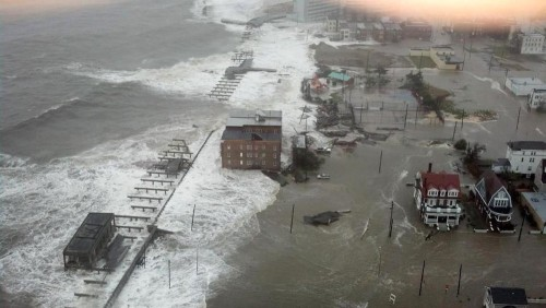 buzzfeedandrew:  Wow, the New Jersey boardwalk is just…gone. via 6ABC Action News