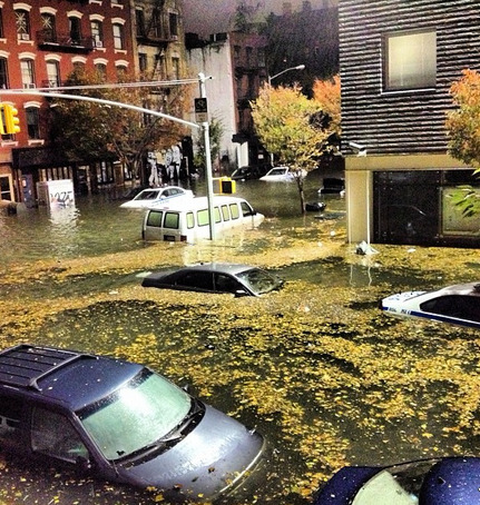 buzzfeedandrew:  East Village flooding. via http://instagram.com/p/RY57HLNzpI/?fb_action_ids=10151215240594507