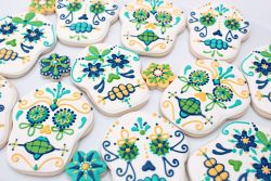 The day of the dead sugar skull cookies. So ya I found this through links and links and links and end up at sweetsugarbelle.com. They have some amazing tute and recipes!