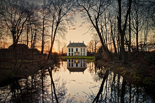 Dusk, Canal House, The Netherlands photo via juliana