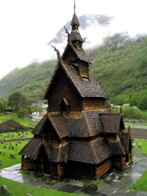 fuckyeahvikingsandcelts:  Borgund Stave Church