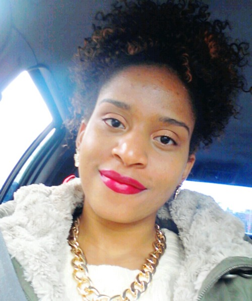Fave new style for the fall #protectivestyle #curlybun #easy #fuschia #lips #wet&wild #nars #eyeshadow