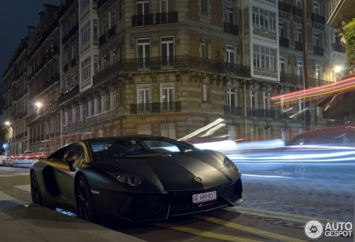 automotivated:  (via Lamborghini Aventador LP700-4 - 2012-10-29 - Autogespot)