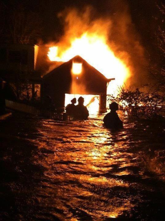 joneiseman:  Photo taken by a firefighter in Babylon.   Oh, wow.