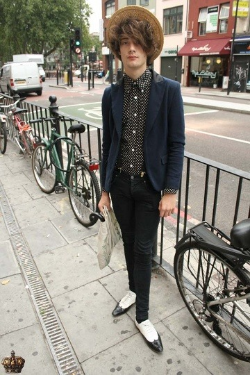 max london, top button buttoned