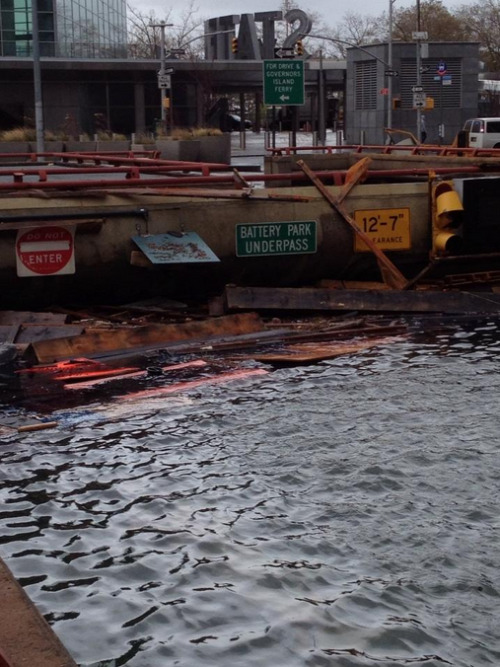 Brooklyn Battery Tunnel is still heavily flooded.