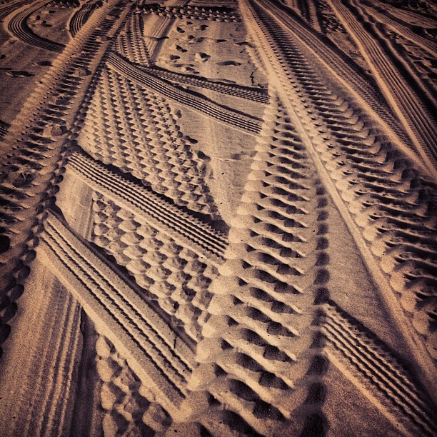 hereandeverywhere:  Tracks #beach #sand #tracks #texture #lookdown #abstract #jessagilbertstudios (at James' Beach)
