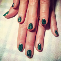 Kelly green paisley mani (hand-painted as always!)