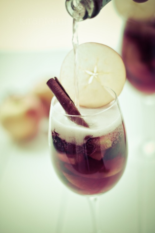 this, i must try | autumn apple cider + champagne sangria [chock-full of apples, figs, cranberries, cinnamon, spices, cider]