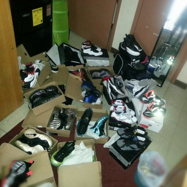 cluolkickaddict:  When boredom sets in for a #SneakerHead #smyfh #solecollector #wdywt #Jordans #MichaelJordan #Nike #FoamPosites #Lebrons #DeionSanders #DiamondTurf #Bakins #ChuckTaylor #IGsneakercommunity #feetheat #sneakergasm #shoegasm #shoegame #sneakerporn #shoeporn  Just checking the inventory at school #HashTagMuffugga @pacmanoriginal @bryanttw1 @sneakerfreak209 @hollywood3207 @dmvtwizzy @darealjayrock #NoFilter