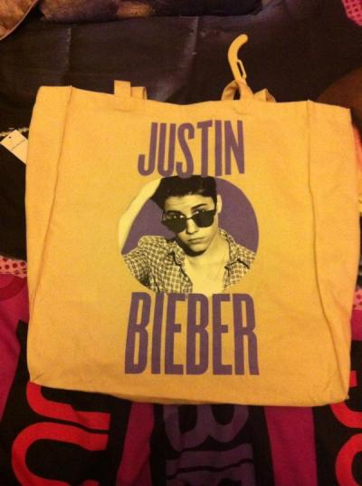 ukbiebersource:  These Bieber bags are available for just £3 at Primark!