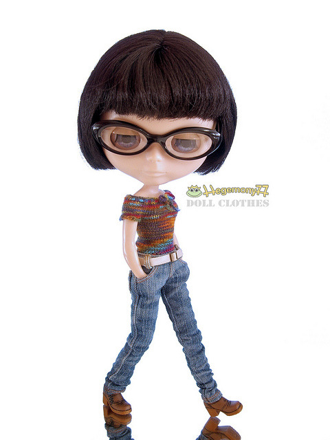 Blythe doll in hand knitted elastic top and worn washed blue denim jeans pants with real pockets and belt on Flickr.Doll clothes and photo made by Hegemony77