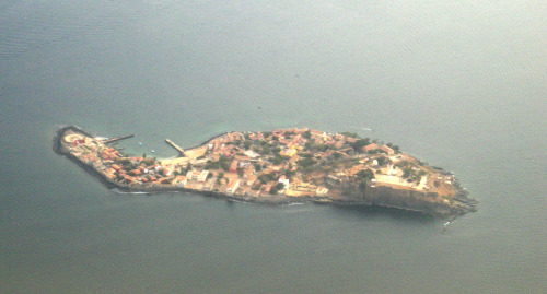 Gorée, Sénégal @credits  The island of Gorée was one of the first places in Africa to be settled by Europeans, as the Portuguese settled on the island in 1444. It was captured by the United Netherlands in 1588, then the Portuguese again, and again the Dutch. They named it after the Dutch island of Goeree, before the British took it over under Robert Holmes in 1664. After the French gained control in 1677, the island remained continuously French until 1960. There were brief periods of British occupation during the various wars fought by France and Britain. In 1960 Senegal was granted independence. The island was notably taken and occupied by the British between 1758 and 1763 following the Capture of Gorée and wider Capture of Senegal during the Seven Years War before being returned to France at the Treaty of Paris. Gorée was principally a trading post, administratively attached to Saint-Louis, capital of the Colony of Senegal. Apart from slaves, beeswax, hides and grain were also traded. The population of the island fluctuated according to circumstances, from a few hundred free Africans and Creoles to about 1,500. There would have been few European residents at any one time.